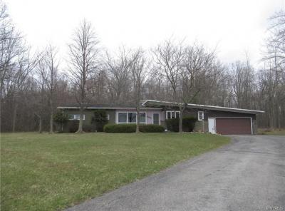 Photo of 2511 West River Road, Grand Island, NY 14072