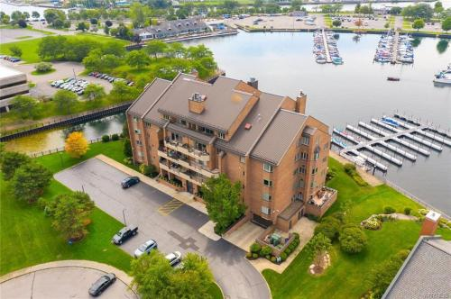 Outstanding Western New York Waterfront Homes For Sale Interior Design Ideas Grebswwsoteloinfo