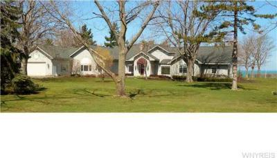 Photo of 5760 Old Lake Shore Rd, Hamburg, NY 14085