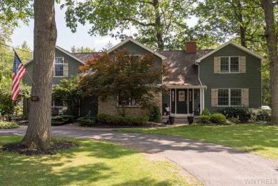 Photo of 5093 Woodland Dr, Lewiston, NY 14092