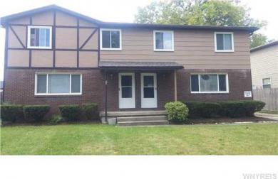 89 Fairgreen Dr, Amherst, NY 14228