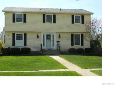 88 Willow Ln, Amherst, NY 14228