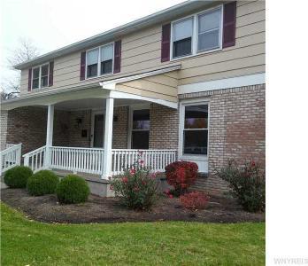 181 Willow Ridge Dr, Amherst, NY 14228