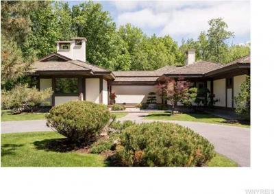 Photo of 280 Carnoustie Dr, Elma, NY 14052