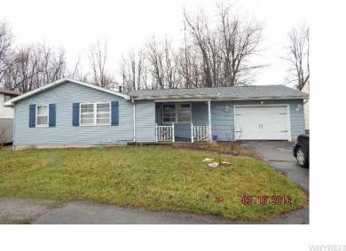 426 Campbell Blvd, Amherst, NY 14068