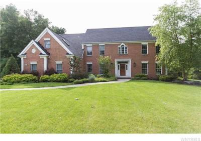 Photo of 40 Deer Run, Orchard Park, NY 14127