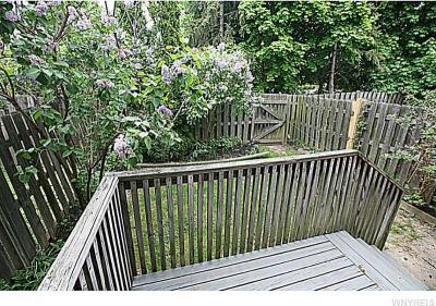 Photo of 1432 Independence Dr, Evans, NY 14047