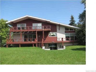 Photo of 2352 West Oakfield Rd, Grand Island, NY 14072
