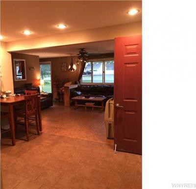 Photo of 380 Hilltop Dr, Elma, NY 14059