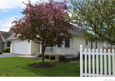 Photo of 3 Fairway Ln, Cheektowaga, NY 14043