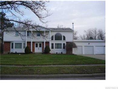 139 Chapel Woods, Amherst, NY 14221