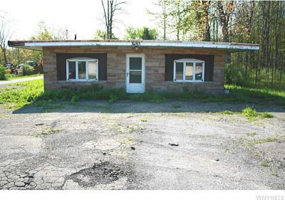 Photo of 8193 Erie Rd, Evans, NY 14006