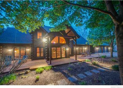 Photo of 6 Greer Hill Drive, Ellicottville, NY 14731