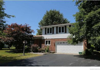 5040 Clearview Dr, Clarence, NY 14221