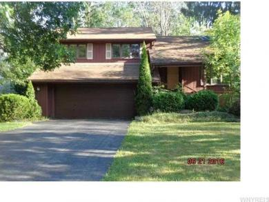 64 Little Robin Rd, Amherst, NY 14228