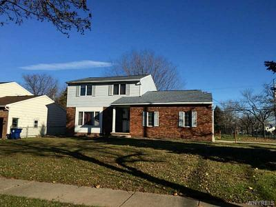 Photo of 271 Sprucewood Ter, Amherst, NY 14221