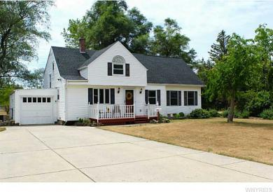 8625 Sunset Dr, Clarence, NY 14221
