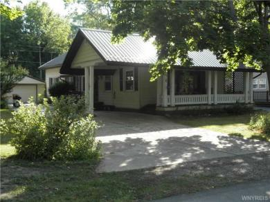 389 Central Ave, Evans, NY 14006