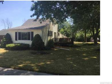 495 Homecrest Dr, Amherst, NY 14226