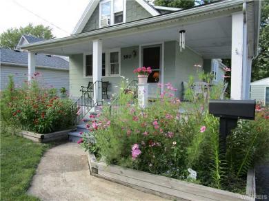 580 Longmeadow Rd, Amherst, NY 14226