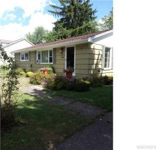 4065 Faber Ln, Clarence, NY 14031