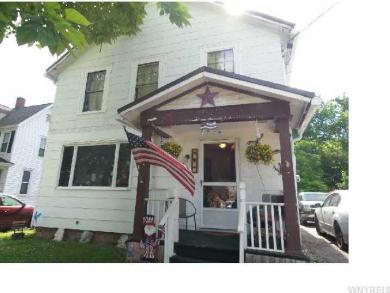 35 Beattie Ave, Lockport City, NY 14094