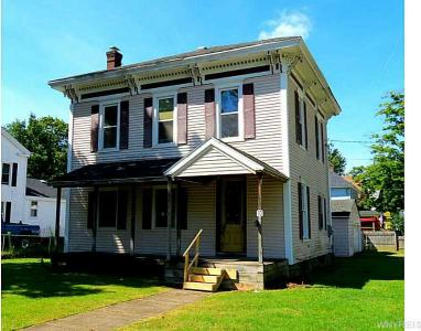 10 Cherry St, Franklinville, NY 14737