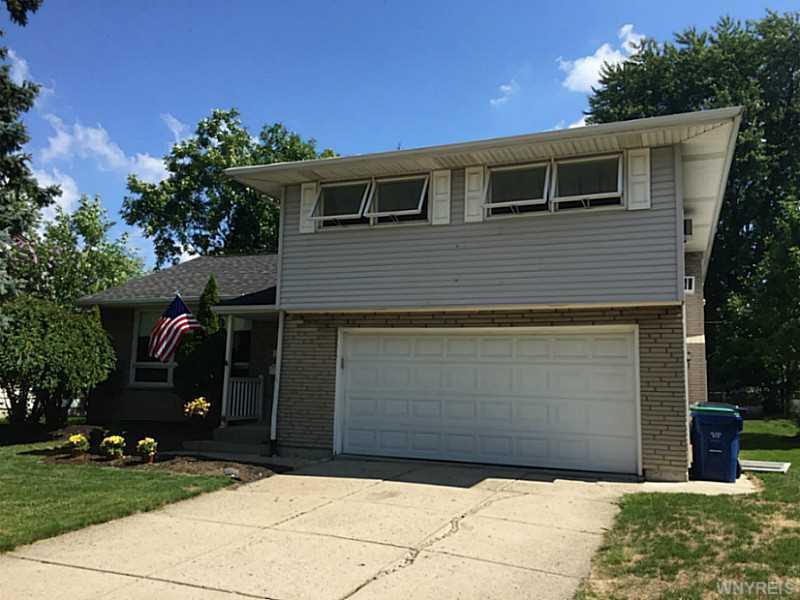 143 Briarhurst Road, Amherst, NY 14221