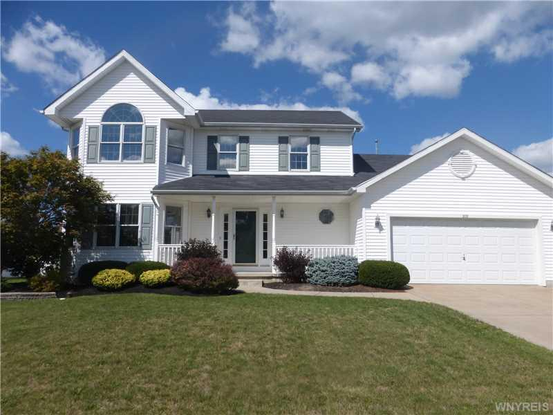 278 Enchanted Forest North, Lancaster, NY 14086