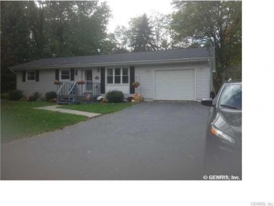 Photo of 20 Page Pl, East Bloomfield, NY 14469