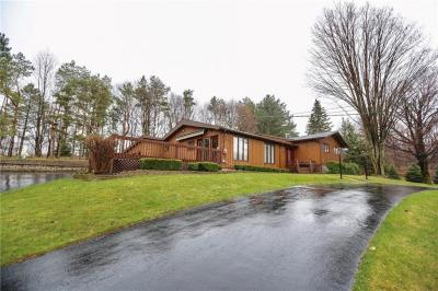 Photo of 416 Thayer Road, Perinton, NY 14450