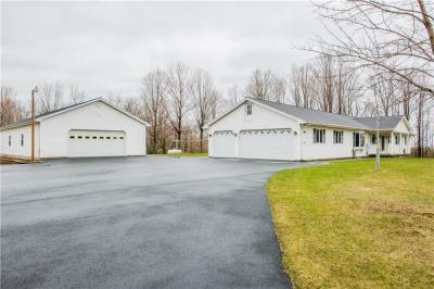 Photo of 7589 Stoney Lonesome Rd, Williamson, NY 14589