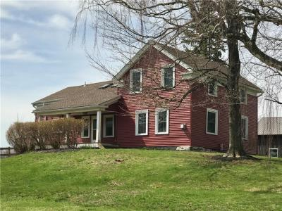Photo of 5038 Lake Road, Williamson, NY 14589
