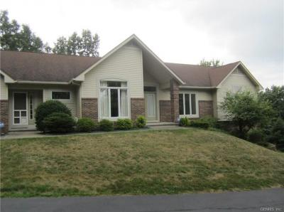 Photo of 7 Lands End Rise, Perinton, NY 14534
