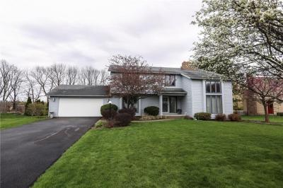 Photo of 16 Copper Woods, Pittsford, NY 14534
