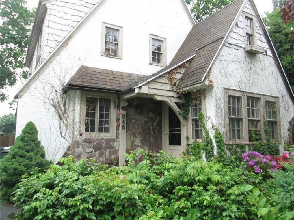 946 Mount Hope Avenue, Rochester, NY 14620