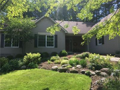 Photo of 680 Hidden Pines, Webster, NY 14580