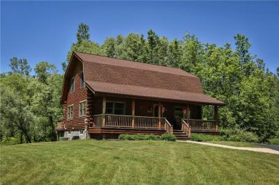 Photo of 725 County Line Road, Webster, NY 14519