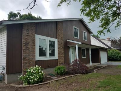 Photo of 372 Olde Harbour Trail, Greece, NY 14612
