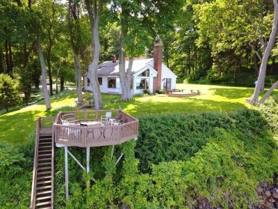 Photo of 630 Lake Road, Webster, NY 14580