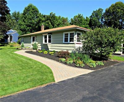 Photo of 18 Buttermilk Hill Road, Pittsford, NY 14534