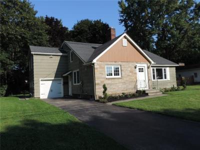 Photo of 905 Roosevelt Road, Pittsford, NY 14445