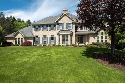 Photo of 10 Abbey Woods, Pittsford, NY 14534