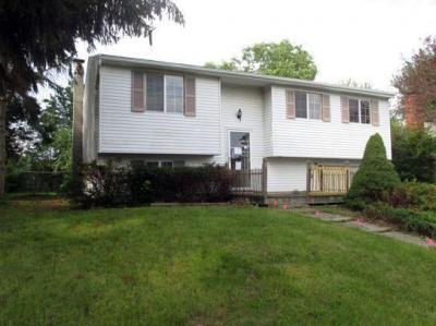 Photo of 5786 Bonnie Brae Circle, Farmington, NY 14425