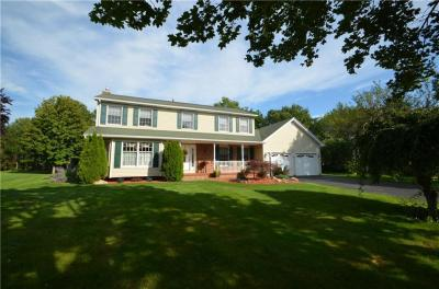Photo of 94 Queensland Drive, Gates, NY 14559