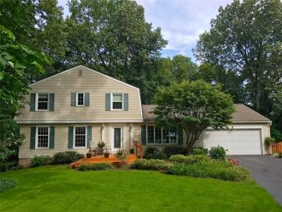 Photo of 15 Woods End, Perinton, NY 14450