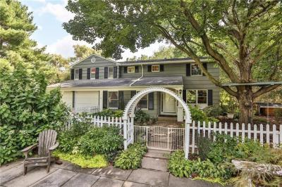 Photo of 12 Laureldale Drive, Pittsford, NY 14534
