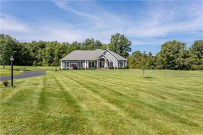 Photo of 643 West Bloomfield Road, Mendon, NY 14534