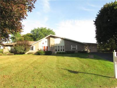 Photo of 28 Widewaters Lane, Pittsford, NY 14534