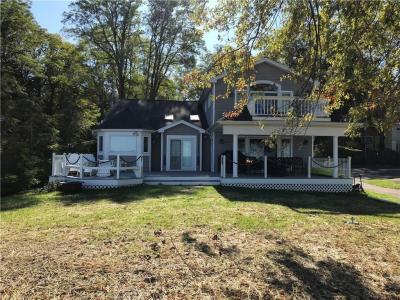 Photo of 1076 Lake Road, Webster, NY 14580